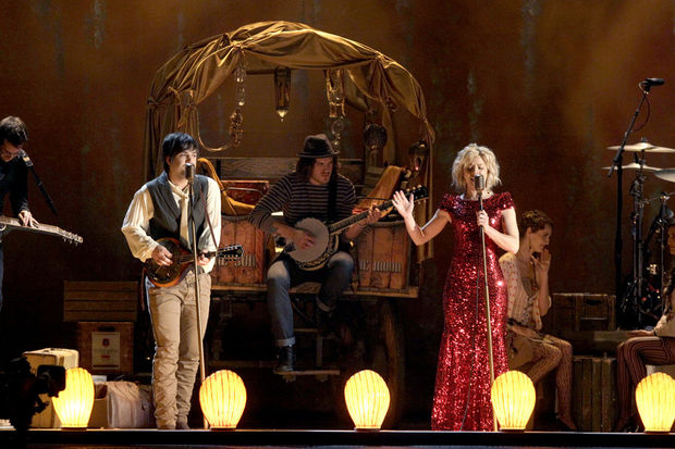 Sugar Creek Carriage covered wagon used as prop at on stage at the 2011 CMA for the band Perry